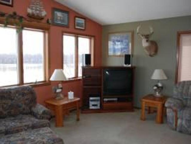 $1000 / 2br 1500ft² Beautiful 2bd/2ba Furnished Condo Lansing, Ia Map