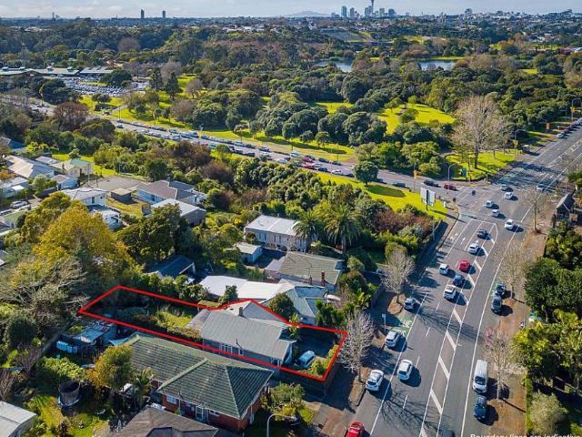 1013 Great North Rd, Point Chevalier