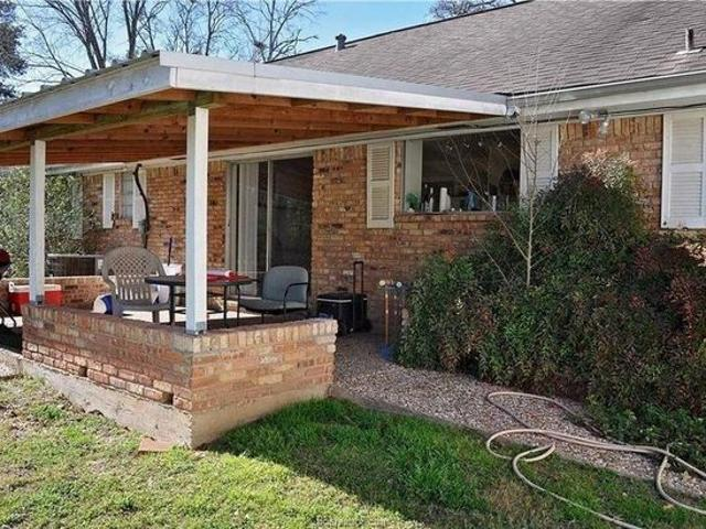 1022 Francis Dr, College Station, Tx 77840