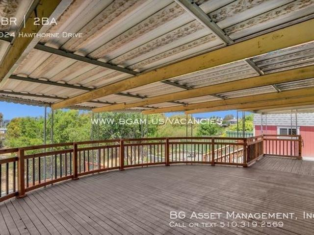 1024 Hawthorne Dr, Rodeo, Ca 94572