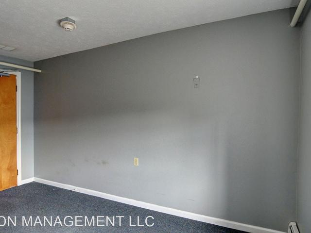 107 North Pike Street Studio Apartment For Rent At 107 N Pike St, New Carlisle, Oh 45344
