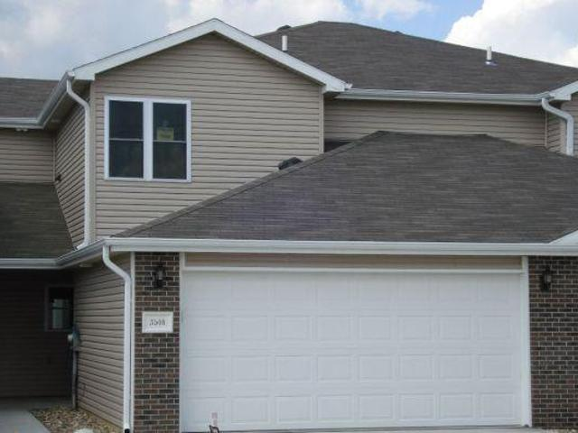 $1095 / 3br 1600ft² Newer Southside Townhome 40th & Yankee Hill Road