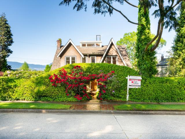 10 Bedroom Luxury Detached House For Sale In 2588 Courtenay Street, Vancouver, British Col...