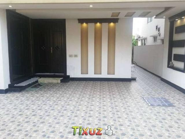 10 Marla Beautiful Lower Portion For Rent In Bahria Town Lahore