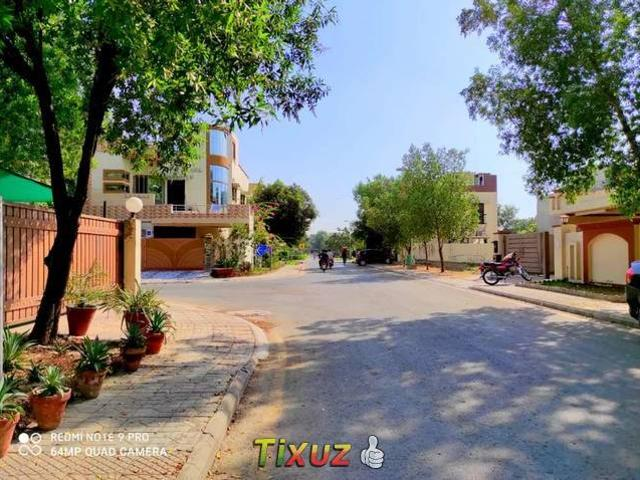 10 Marla House For Sale Bahria Town Lahore