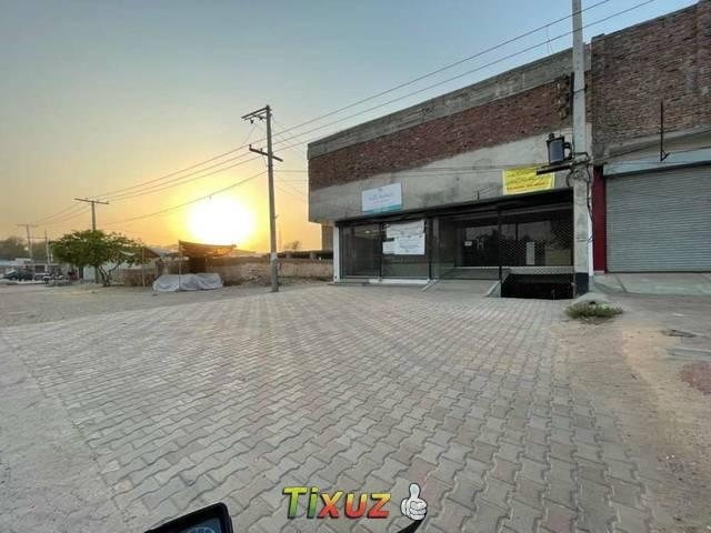 10 Marla Well Furninshed Basement And Second Floor Availble For Rent