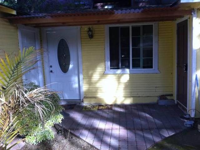 $1100 Updated Private Cozy Adequately Furnished Cottage