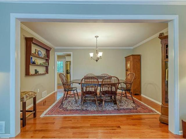 111 Roscommon, Peters Township, Pa 15317