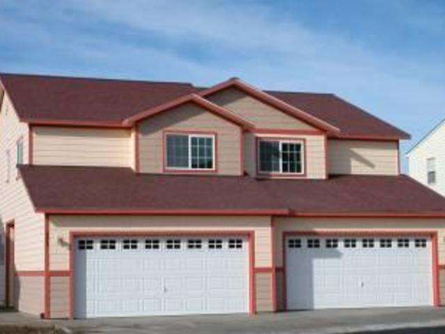 $1135 / 3br Townhouse Duplex, 3 Bed, 2.5 Bath, 2 Car Garage, Close To Safeway Available Fo...