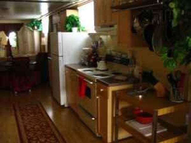 $1200 / 2br Furnished Month To Month Utilities Included Cute & Cozy! Bellingham On Eldridg...