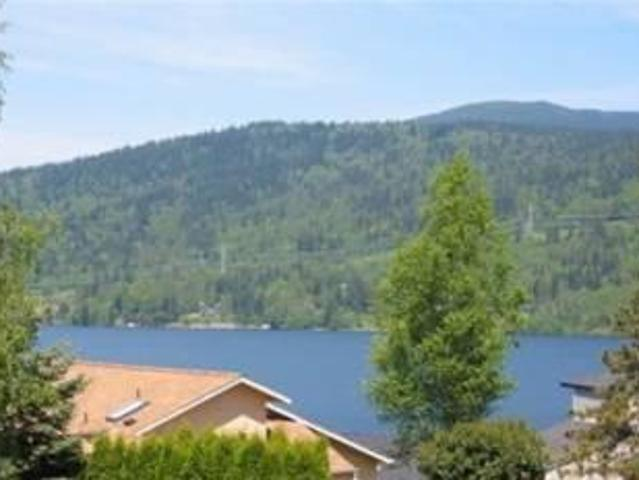 $1200 / 3br Sunny Three Bedroom Home With Lake Views 49 North Point Drive