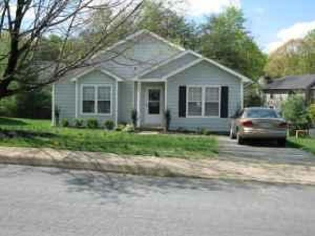 $1250 / 2br Plus Study Available Now ! Charlottesville/wynridge Map