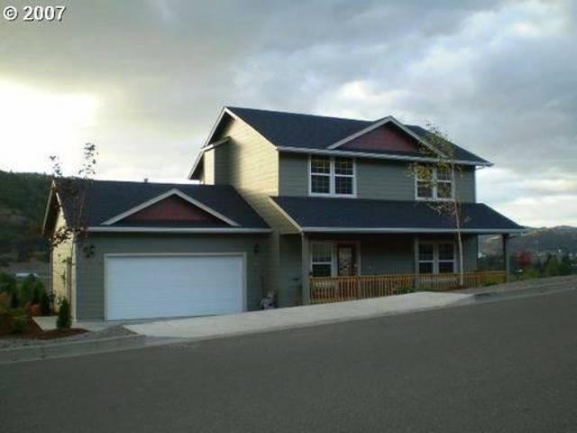 $1350 / 3br 1620ft² Great Views From This 3 Bedroom Home!garage,2 Levels,yard!352 North Vi