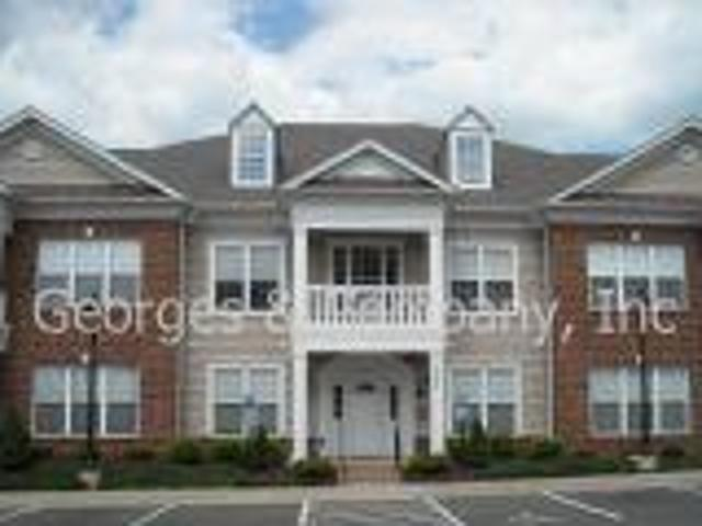 $1350 Glenwood Station*available Now* Convenient Location* Rio Road