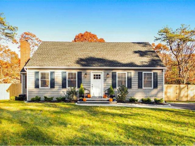 13 Evergreen Court, East Quogue, Ny 11942