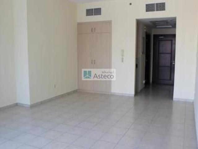 14 Month Contract | Multiple Units |closed Kitchen