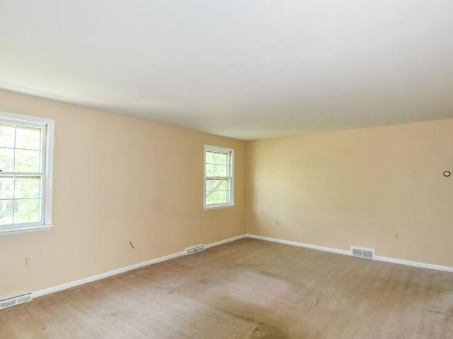 1400 2 Bedroom In 48 Chapel Lane Glenmont, Ny Apartments For Rent
