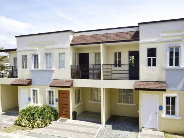 14k/month 3br Townhouse 2t&b In Lancaster Cavite Near Moa