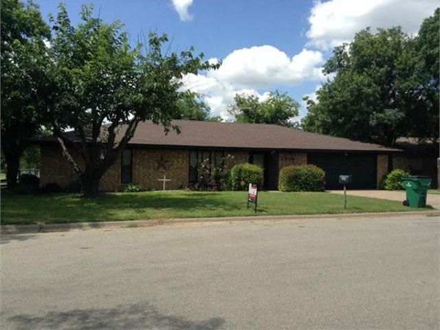 1504 West Hill Lane Single Family Home