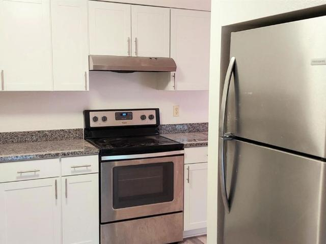 15057 15063 Boones Way 3 Bedroom Apartment For Rent At 15057 Boones Way, Lake Oswego, Or 9...