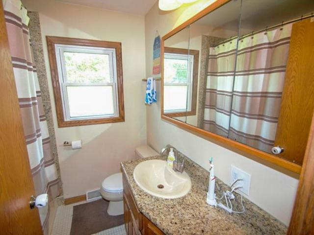1513 S Ranch Rd, New Berlin, Wi 53151