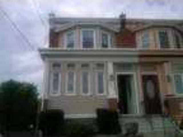 $1650 / Three Br Newly Renovated Home W/new Hw Floors, Spacious Bedrooms & Sun