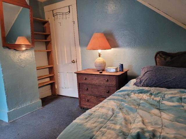 165wk All Utilities Furnish Room Share House