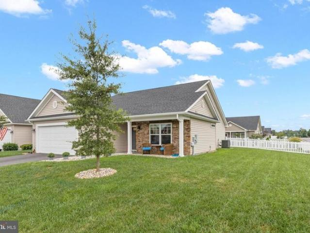 16 Cotswold, Falling Waters, Wv 25419