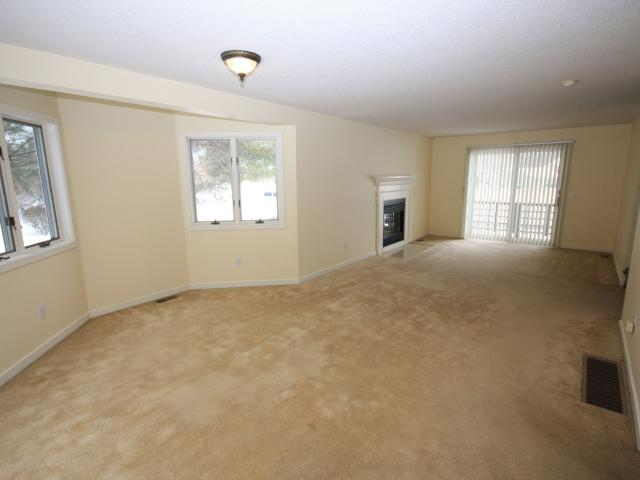 16 Pond View Dr, Hope Valley, Ri Apartments For Rent