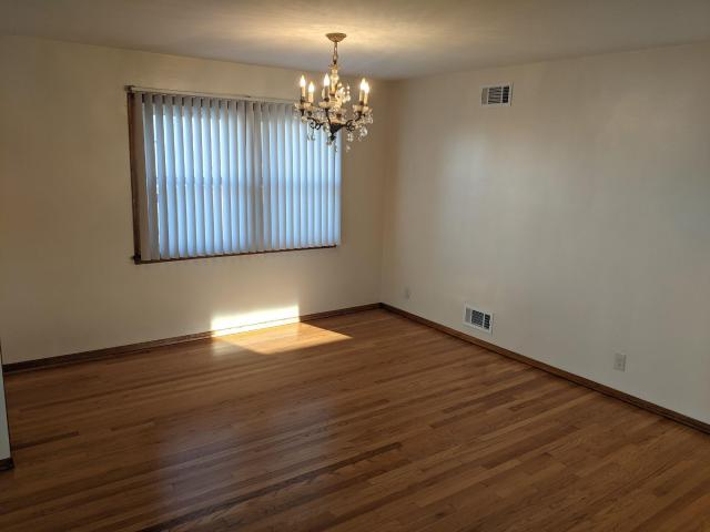 1700 2 Bedroom In 16 East 5th Street Bayonne, Nj Apartments For Rent