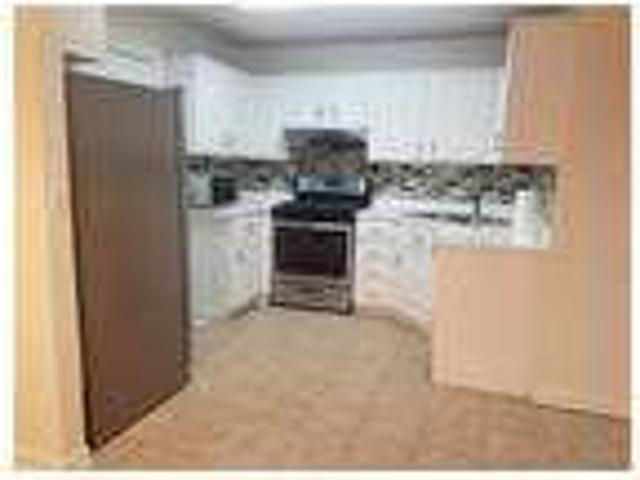 $1700 / Two Br Beautiful Town House For Rent Colle