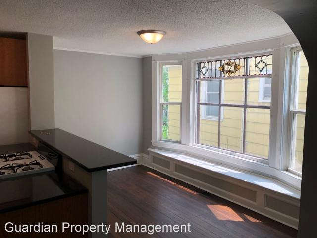 1783 Dayton Ave 4 Bedroom Apartment For Rent At 1783 Dayton Ave, St. Paul, Mn 55104 Merria...