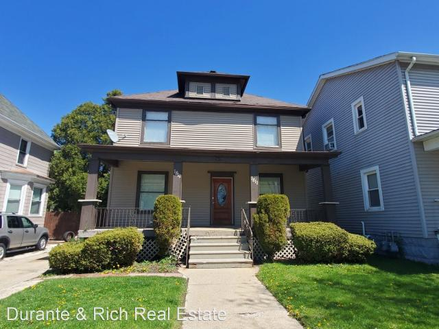 1811 Grand Ave 3 Bedroom Apartment For Rent At 1811 Grand Ave, Racine, Wi 53403