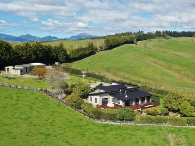 182 Malling Road, Redwood Valley