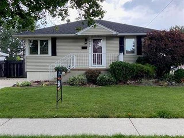 1864 Norman, Windsor, On, N8t 1r8 House For Lease | Listing Id 21009 | Royal Lepage
