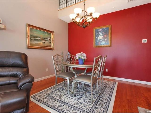 193 Spring Drive #193, East Meadow, Ny 11554