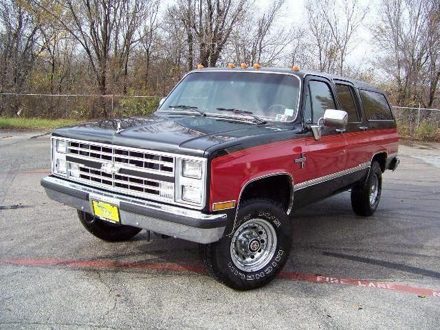 1986 chevrolet suburban 4x4 5 7l only 610 miles