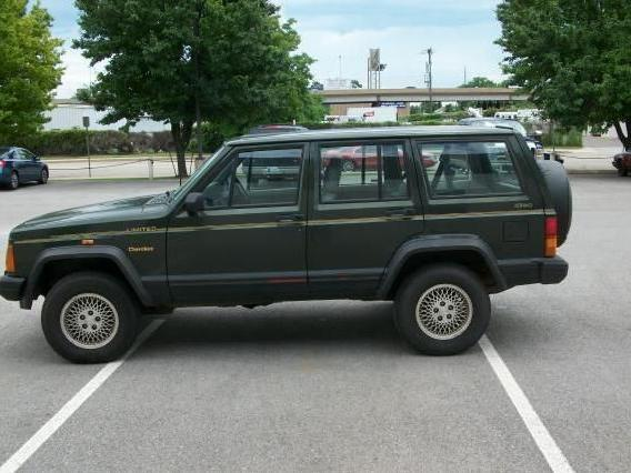 1995 Jeep Cherokee 4dr Sport 4wd