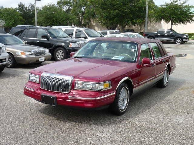And Information 2015 Lincoln Town Car Models