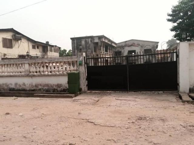 1,100sqm Land With Old Structure For Sale In Surulere, Off Adeniran Ogunsanya, Lagos