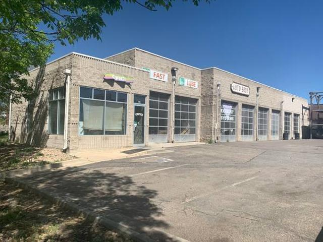 1,212 Sf Industrialflex Or Retail Space Available Louisville