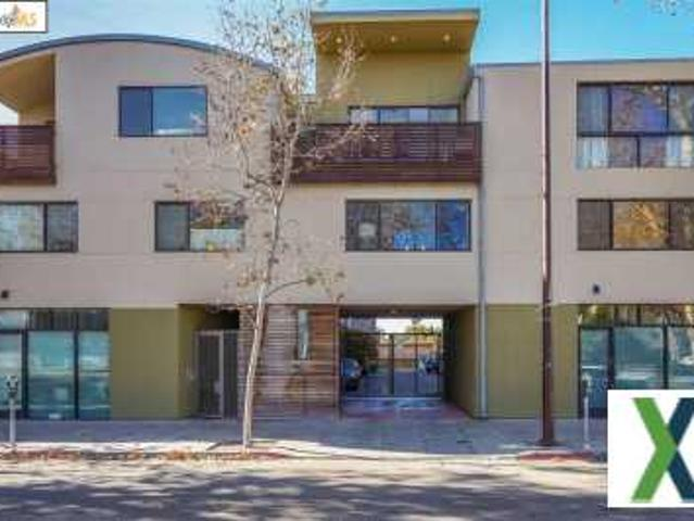 1 Bed, 1 Bath, 965 Sqft Townhome For Sale Albany, California