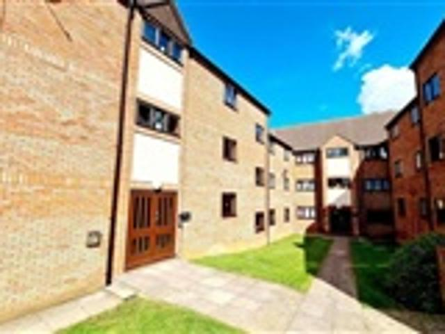 1 Bed Property For Sale Spencer Court Rushden