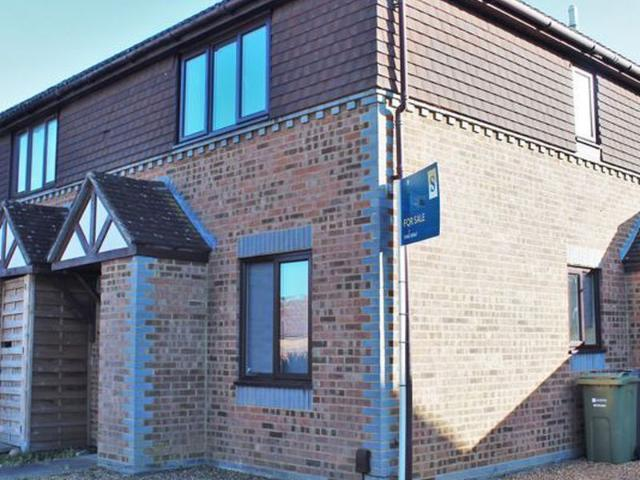 1 Bed Semi Detached House To Rent In Watersmeet Close, Burpham, Guildford Gu4 Zoopla