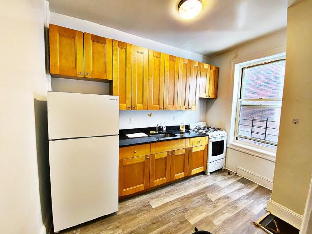 1 Bedroom Apartment For Rent At 1602 West 6th Street #3c, New York, Ny 11223 Gravesend