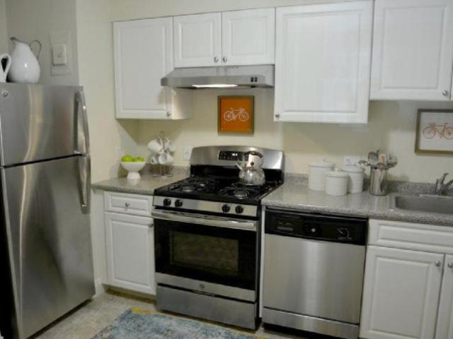 1 Bedroom Apartment Unit Weymouth Ma For Rent At 2046