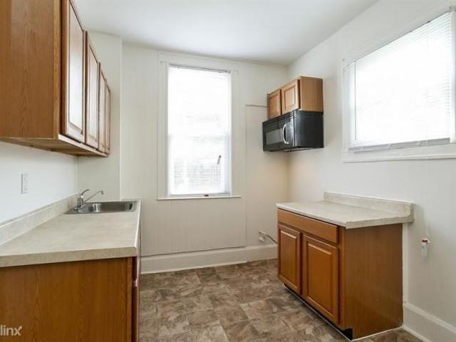 1 Bedroom, Baltimore Md 21216