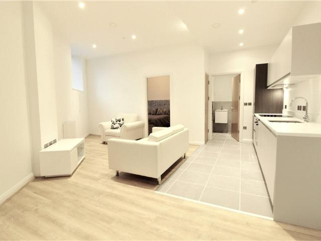1 Bedroom Flat To Rent In The Co Operative, 18 Corporation Street, Coventry, West Midlands...