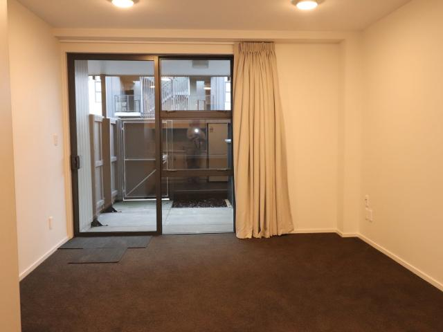 1 Bedroom Ground Floor Apartment Central City
