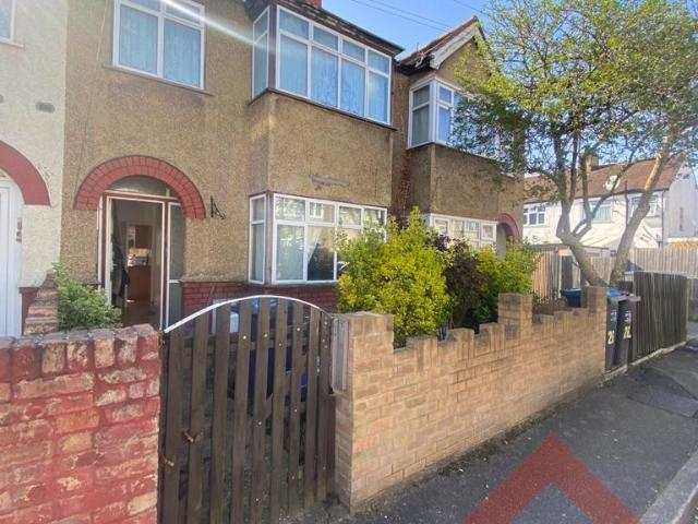 1 Bedroom House To Rent In Montrose Gardens, Cr4 2pg On Boomin